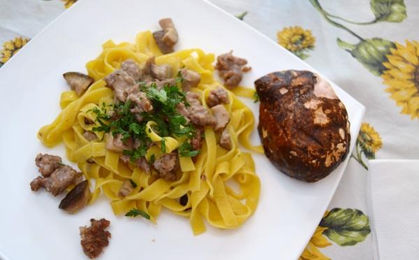 Fettuccine funghi e salsiccia - La cucina di Verdiana
